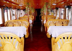 Halong Black Pearl Junk dining room