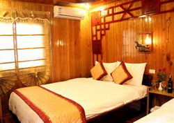 Halong Black Pearl Junk double room