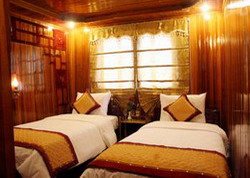 Halong Black Pearl Junk twin room