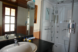 Bath room in An Nam junk