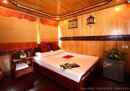 Halong Phoenix cruiser's double room