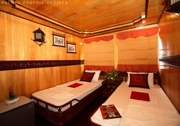Halong Phoenix cruiser's twin room