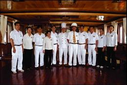 Halong Royal Cruise's team