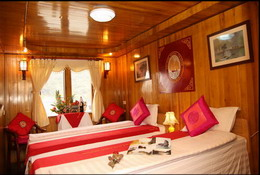 Twin room in Halong Royal Cruise