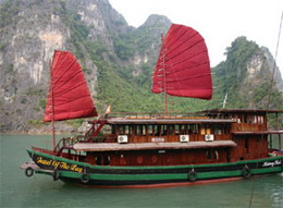 Jewel of the Bay, Halong