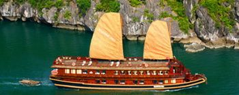 Tourists are enjoying Halong Bay cruise with Halong Ginger - TL110