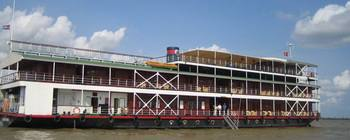 Tourists are enjoying Upstream Mekong River with Pandaw Cruise - TL611