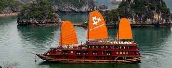 Tourists are enjoying Halong Bay cruise with Jasmine junk-TL111