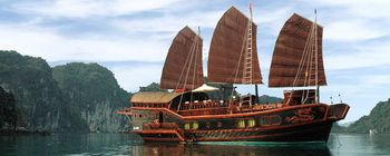 Tourists are enjoying Halong Bay on Red Dragon Junk -TL114