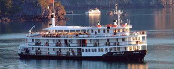 Tourists are enjoying Relaxing on Emeraude cruiser - TL115
