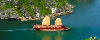 Tourists are enjoying All Vietnam At A Glance - TL716