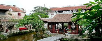 Tourists are enjoying Viet cultural and historical 1-day tour - TL219