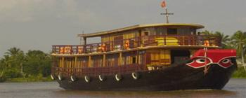Tourists are enjoying Cruise on Mekong River with Le Cochinchine - TL603