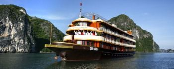 Tourists are enjoying Halong Bay cruise with Emotion Junk - TL106