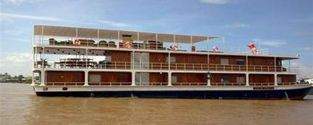 Tourists are enjoying Saigon - Phnom Penh 6 Days with Toum Tiou Cruise - TL606