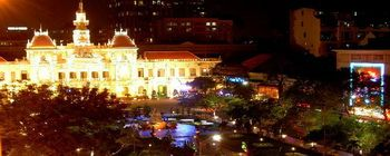 Tourists are enjoying Ho Chi Minh City Stop-OverTour - TL508
