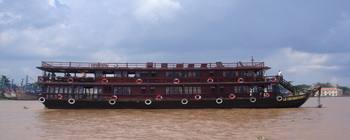 Tourists are enjoying Cruise on Mekong River with Le Cochinchine - TL609