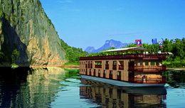TOURISTS IN Mekong Explorer