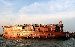 Tourists are enjoying Mekong Eyes