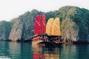 Bai Tho Junk, 6 cabins for tourists overnight